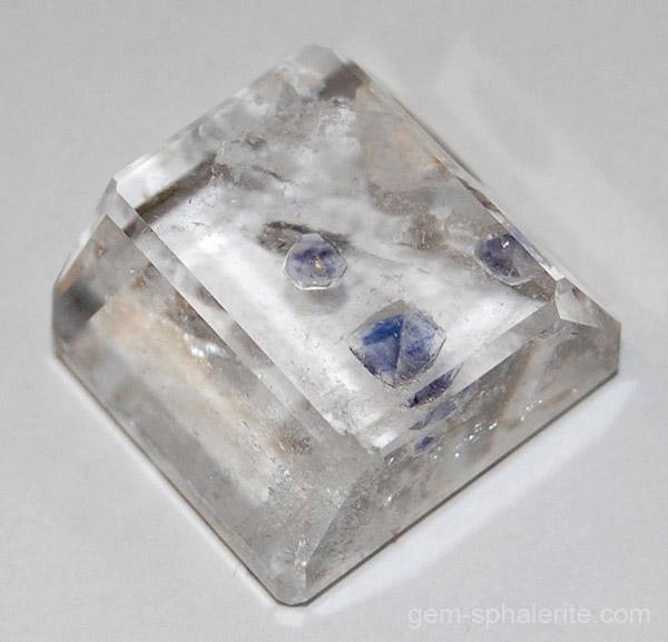 gem sphalerite fluorite inclusions in quartz 19